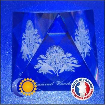Pyramide cristal personnalisée nom